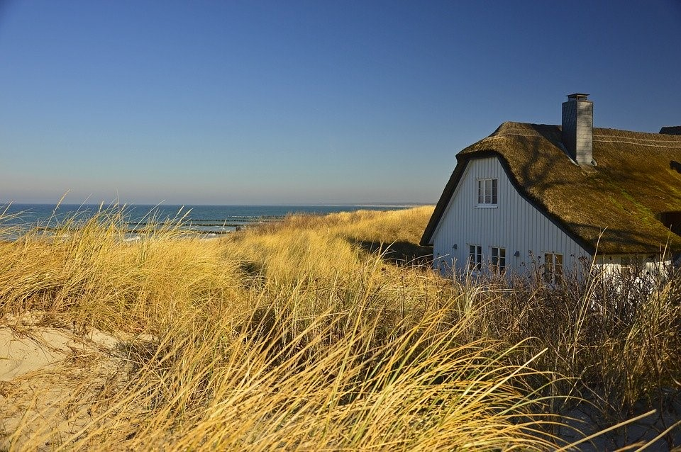 Thinking of Getting Thatch Roofing? Here's What You Should Know